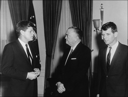 757px-Visit_of_Attorney_General_and_Director_of_FBI._President_Kennedy,_J.Edgar_Hoover,_Robert_F._Kennedy._White_House..._-_NARA_-_194173